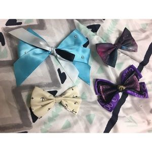 🦋 Assortment of Disney clip in hair bows
